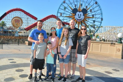 Going to Disneyland with the kids Aunt, Uncle & cousins made it so much more FUN!