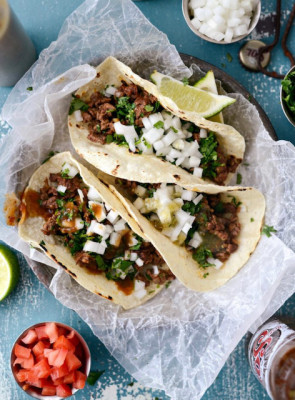 We are big time fans of  street tacos. We love road tripping and finding a great