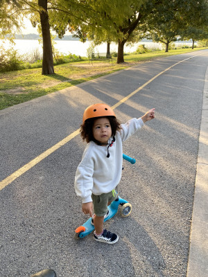 Scootering around the lake by our house is one of our favorite activities. We see ducks & turtles, and even a baby raccoon once!